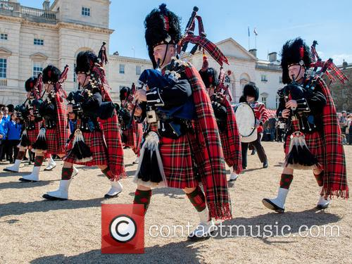 Pipers and Guards 8