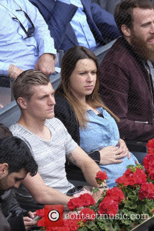 Toni Kroos and Jessica Farber 5