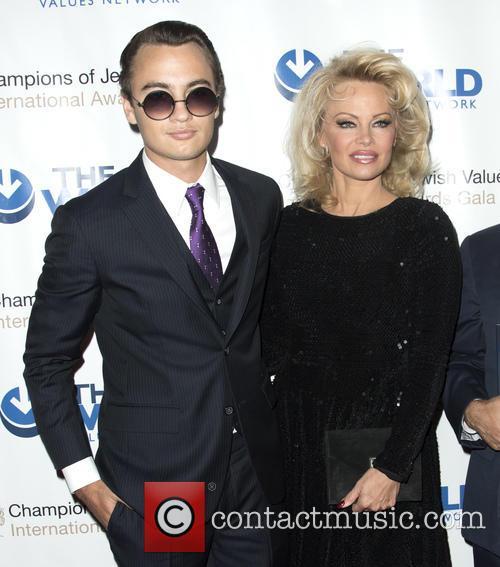 Brandon Thomas Lee and Pamela Anderson 3