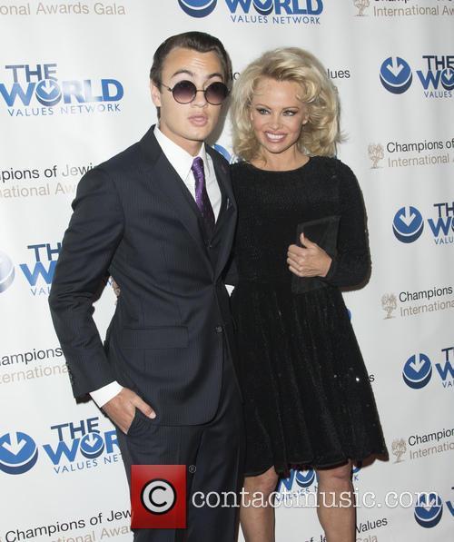 Brandon Thomas Lee and Pamela Anderson 5