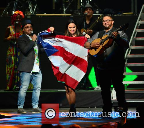 Carlos Vives, Edgar Rios, Mayda Belen, Quique Domenech and Tres 1