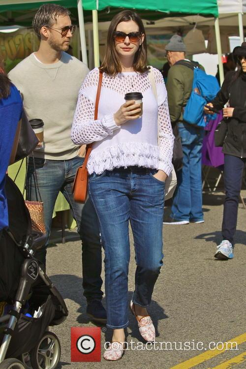 Anne Hathaway and Adam Shulman 4