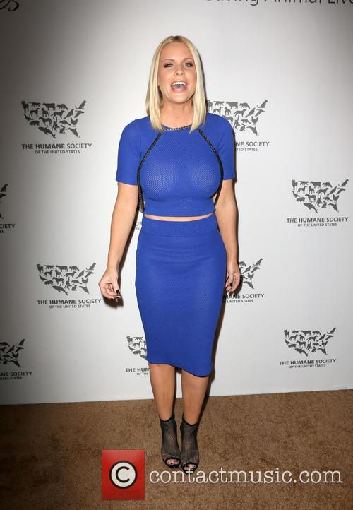 Carrie Keagan 5