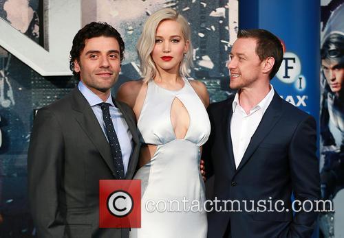 Oscar Issac, Jennifer Lawrence and James Mcavoy 1