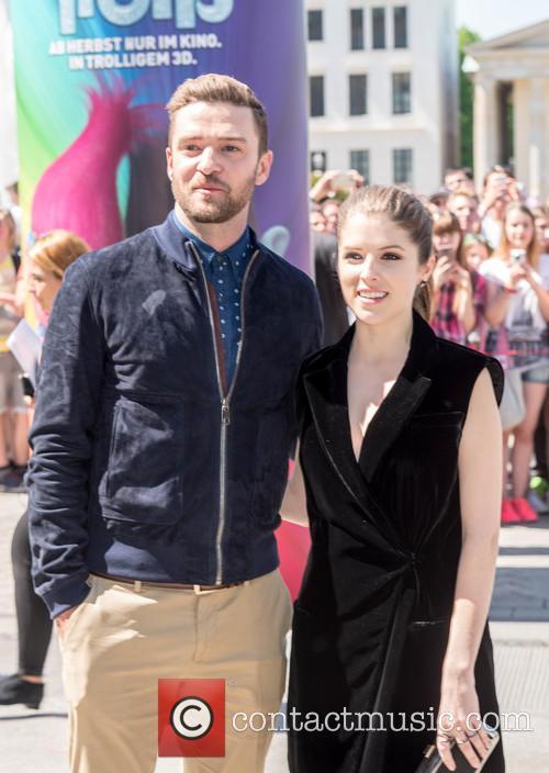 Justin Timberlake and Anna Kendrick 11