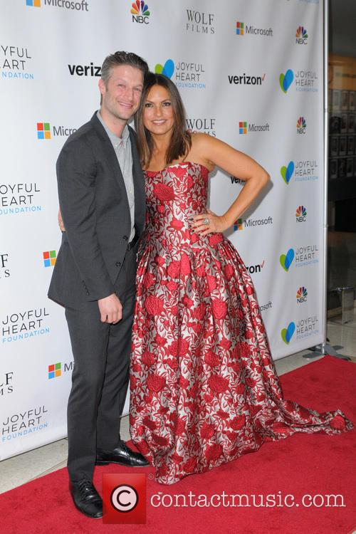 Peter Scanavino and Mariska Hargitay 2