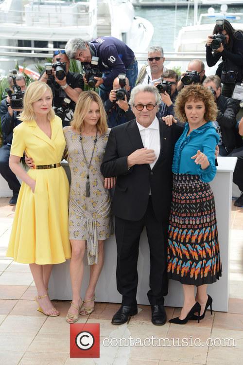 Kristen Dunst, Vanessa Paradis, George Miller and Valeria Golino 5
