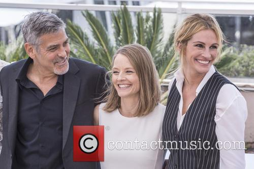 George Clooney, Jodie Foster and Julia Roberts 3