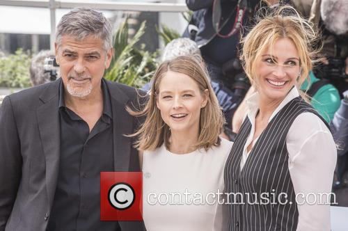George Clooney, Jodie Foster and Julia Roberts 4