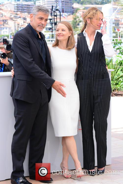 George Clooney, Jodie Foster and Julia Roberts 5