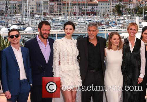 Jack O'connell, Dominic West, Caitriona Balfe, George Clooney, Jodie Foster and Julia Roberts 1