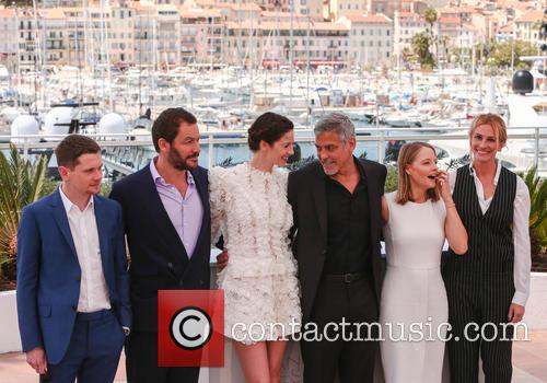 George Clooney, Julia Roberts, Jodie Foster, Dominic West, Jack O'connell and Caitriona Balfe 6