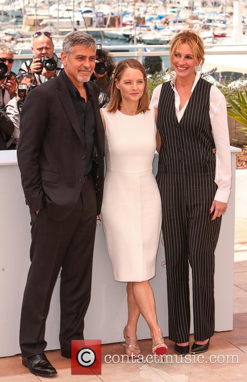 George Clooney, Jodie Foster and Julia Roberts 8