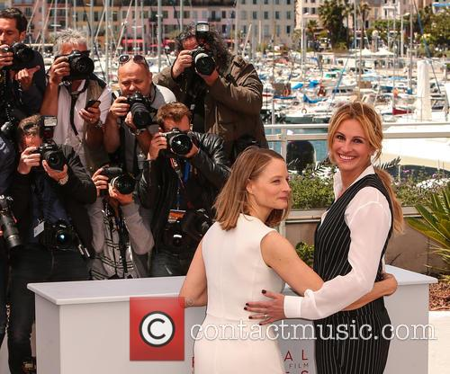 Julia Roberts and Jodie Foster 5