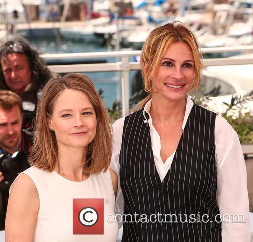 Julia Roberts and Jodie Foster 9