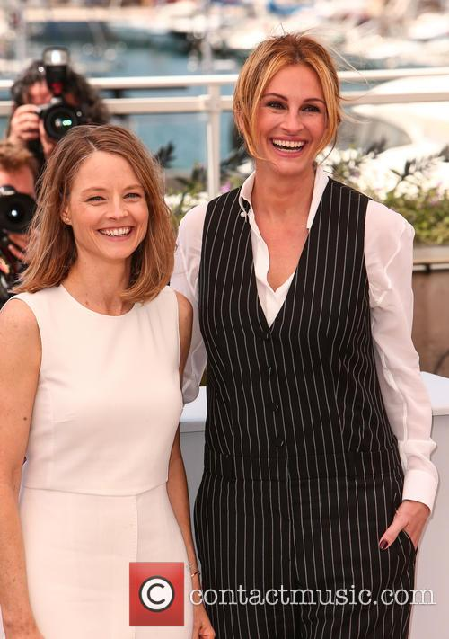 Julia Roberts and Jodie Foster 10
