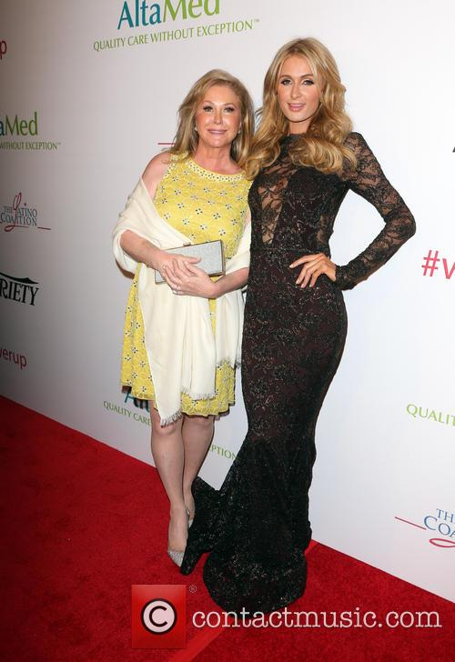 Kathy Hilton and Paris Hilton 4