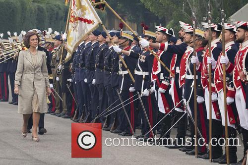 Guards and Queen Sofia Of Spain 4