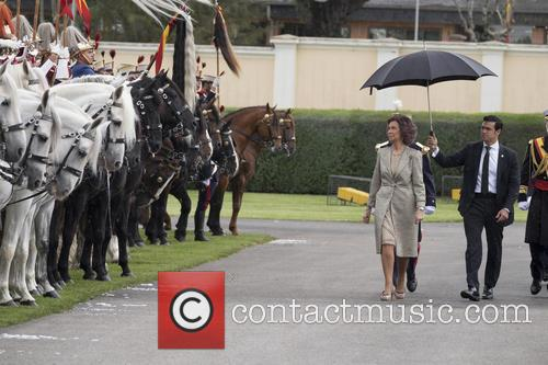 Guards and Queen Sofia Of Spain 7