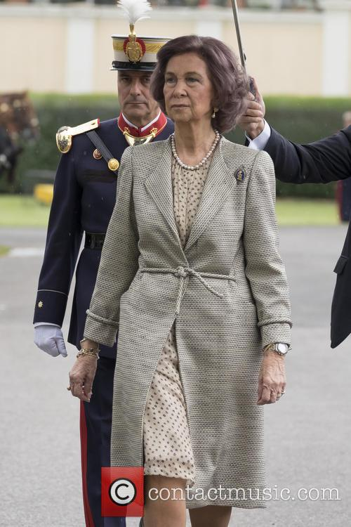 Guards and Queen Sofia Of Spain 10