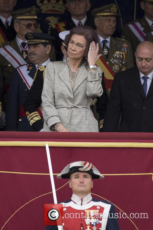Guards and Queen Sofia Of Spain 11