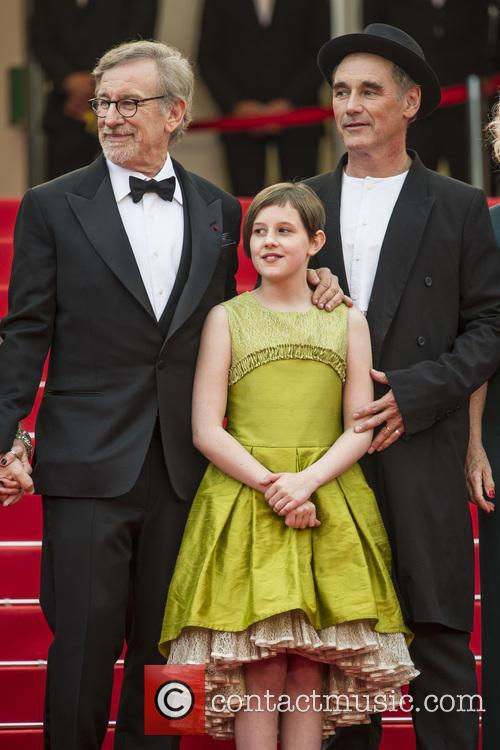 Steven Spielberg, Ruby Barnhill and Mark Rylance 4