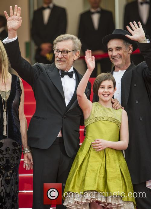 Steven Spielberg, Ruby Barnhill and Mark Rylance 8