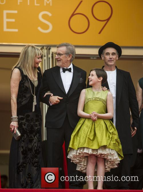 Kate Capshaw, Steven Spielberg, Ruby Barnhill and Mark Rylance 2