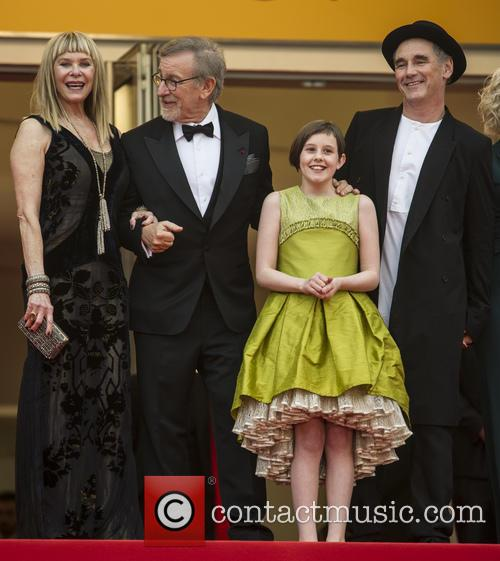 Kate Capshaw, Steven Spielberg, Ruby Barnhill and Mark Rylance 3