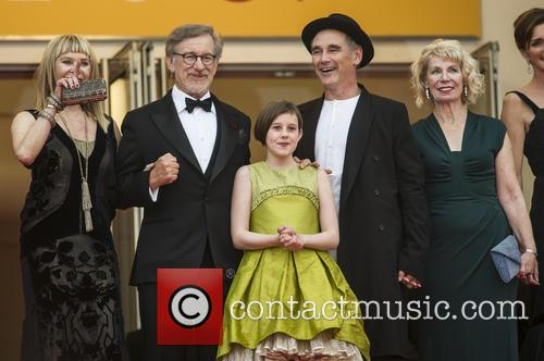 Kate Capshaw, Steven Spielberg, Ruby Barnhill and Mark Rylance 6