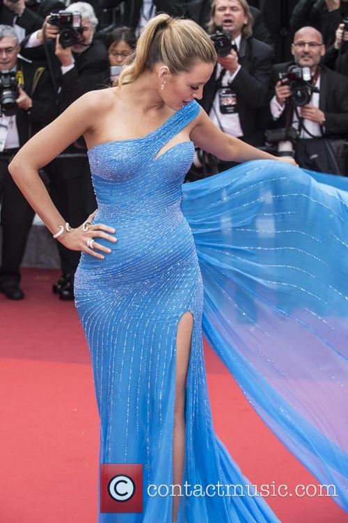 Blake Lively Channels 'Frozen' Princess In Breathtaking Versace Gown