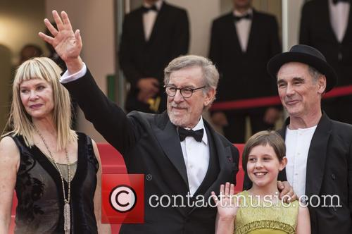 Kate Capshaw, Steven Spielberg, Ruby Barnhill and Mark Rylance 8