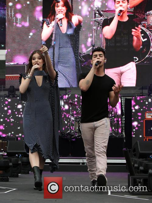 Hailee Steinfeld and Joe Jonas 8