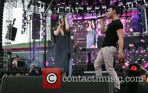 Hailee Steinfeld and Joe Jonas 9