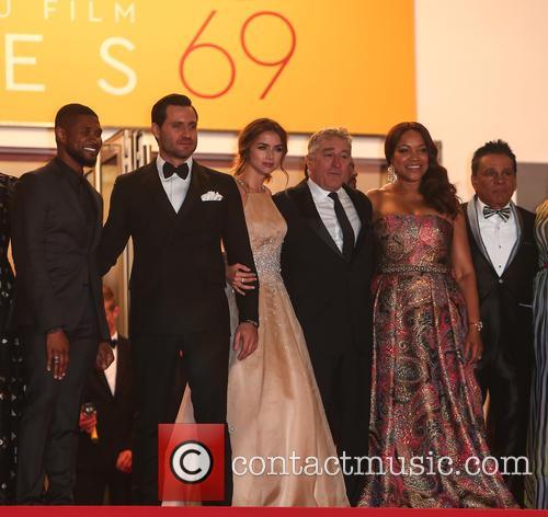 Usher, Edgar Ramirez, Ana De Armas, Robert De Niro and Roberto Duran 7
