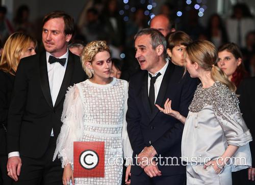 Kristen Stewart, Lars Eidinger and Olivier Assayas 5