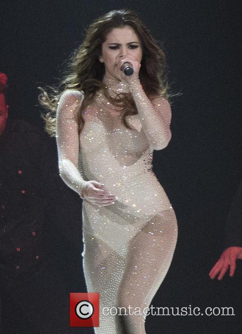 Selena Gomez And Rihanna To Headline Global Citizen Festival
