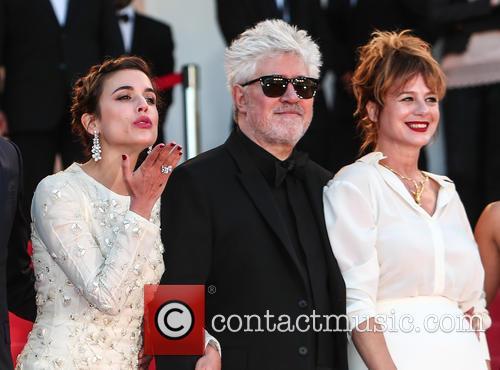 Adriana Ugarte, Pedro Almodovar and Emma Suarez 1