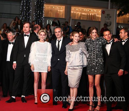 Lars Eidinger, Kristen Stewart, Olivier Assayas, Nora Von Waldstaetten, Sigrid Bouaziz and Anders Danielsen Lie 4