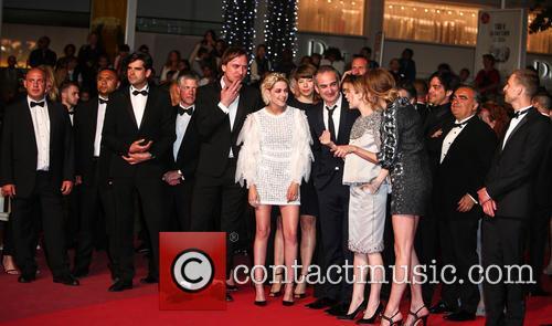 Lars Eidinger, Kristen Stewart, Olivier Assayas, Nora Von Waldstaetten, Sigrid Bouaziz and Anders Danielsen Lie 10
