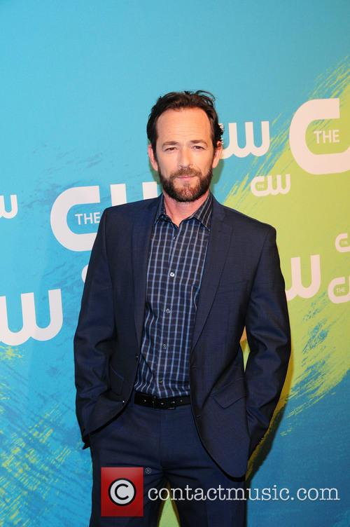 Luke Perry Pays Tribute To Shannen Doherty During 'Beverly Hills 90210' Cast Reunion