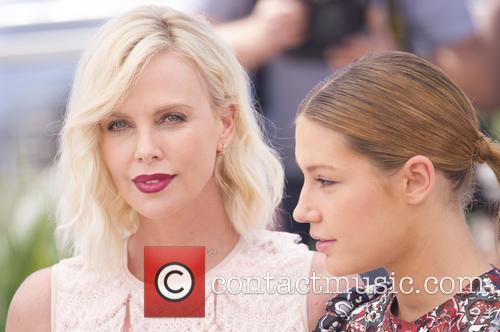 Charlize Theron and Adele Exarchopoulos 8