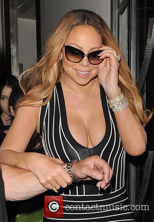 Mariah Carey leaves Claridges hotel, amid chaotic scenes