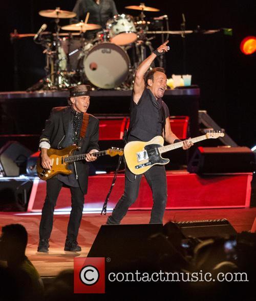 Bruce Springsteen, Steven Van Zandt, Max Weinberg, Jake Clemons and Nils Lofgren 2