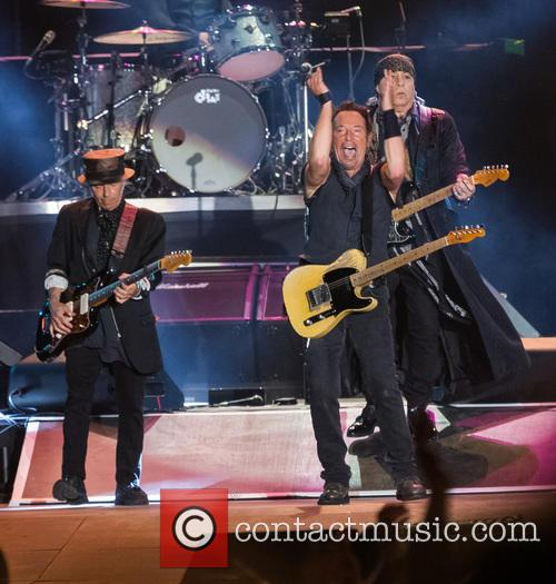 Bruce Springsteen, Steven Van Zandt, Max Weinberg, Jake Clemons and Nils Lofgren 3