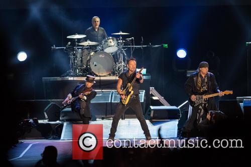 Bruce Springsteen, Steven Van Zandt, Max Weinberg, Jake Clemons and Nils Lofgren 4