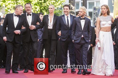 Jean Reno, Charlize Theron, Javier Bardem and Adele Exarchopoulos 3