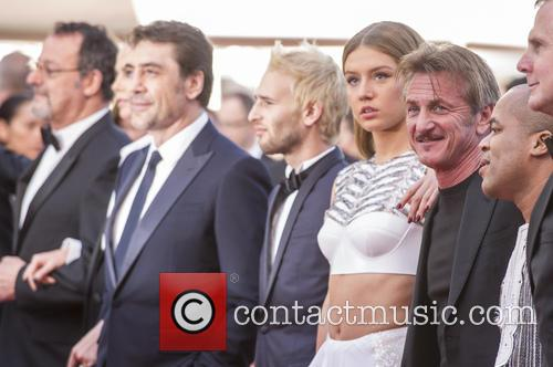 Jean Reno, Javier Bardem, Adele Exarchopoulos and Sean Penn 4