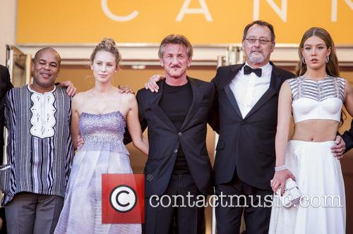 Dylan Frances Penn, Sean Penn, Jean Reno and Adele Exarchopoulos 1