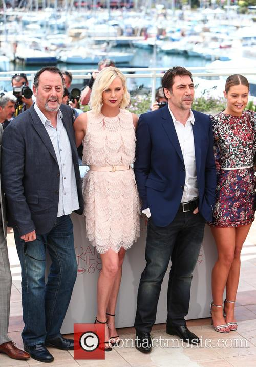 Jean Reno, Charlize Theron, Javier Bardem and Adele Exarchopoulos 5